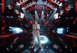 """Sanremo, Madame sul palco dell'Ariston a piedi scalzi La rapper ha presentato il brano """"Voce"""" - Ansa"""