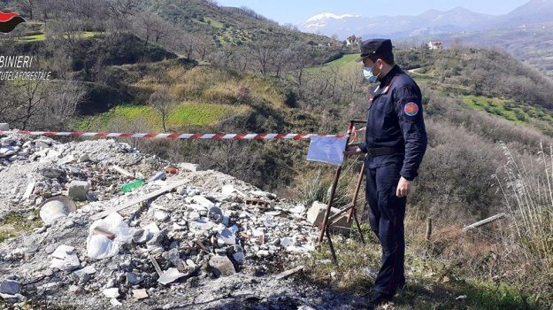altomonte, smaltimento illecito rifiuti, Cosenza, Cronaca