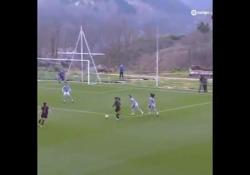 Spagna, il gol «alla Del Piero» della calciatrice La posizione è invertita, ma il gesto tecnico è la stesso - Dalla Rete