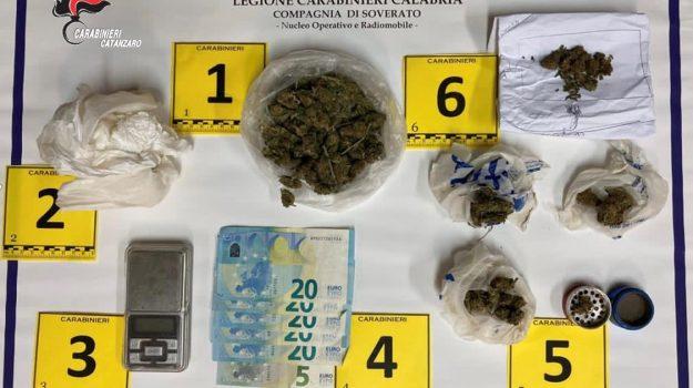 cartucce calibro 12, hashish, marijuana, soverato, Catanzaro, Cronaca