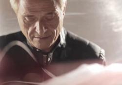 Torna Amedeo Minghi l'anteprima di «Navi o marinai» A 5 anni dall'ultimo album il cantautore romano pubblica un nuovo brano che sarà in radio e sulle piattaforme da venerdì 26 - Corriere Tv