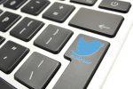 Bimbo scatena il caos con un tweet dall'account del comando strategico Usa