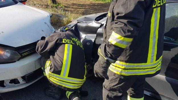incidente stradale, località uria, tre feriti, Catanzaro, Cronaca