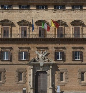 Finanziaria impugnata in Sicilia, a rischio migliaia di lavoratori Asu