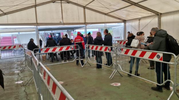 Vaccini, ripartito l'open week end a Messina. A Milazzo arrivato J&J. LA DIRETTA