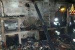 Vibo, in fiamme un palazzo a Gerocarne: evacuate due famiglie