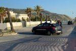 Amantea: palazzo perquisito dai carabinieri, lungomare bloccato per ore