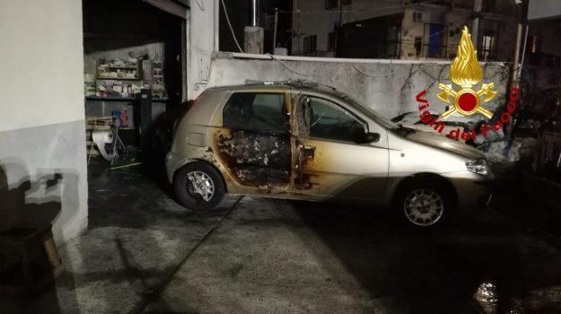 autocarrozzeria, catanzaro, gagliano, incendio, vigili del fuoco, Sicilia, Archivio