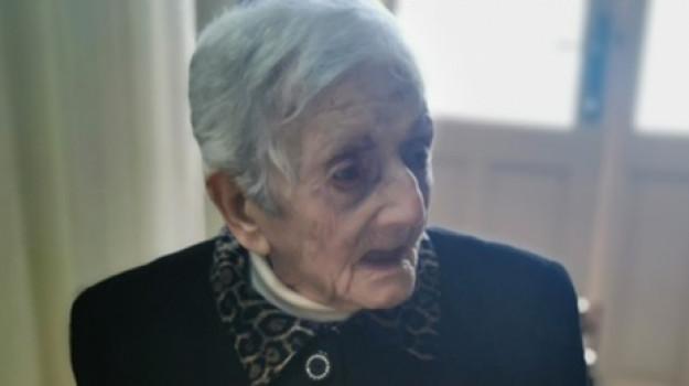 isole eolie, nonna ultracentenaria, salina, Concetta Vasquez, Messina, Società