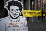 Senato, sì alla cittadinanza italiana a Patrick Zaki. Ma il Governo frena: atto rischioso