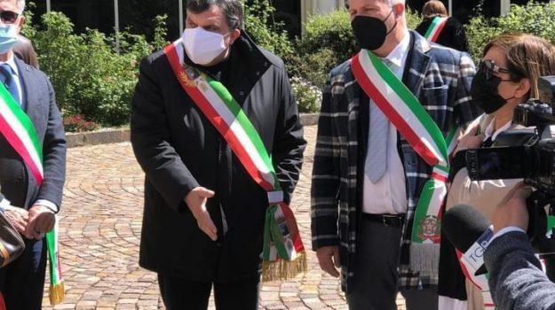 cittadella regionale, coronavirus, protesta sindaci del cosentino, vaccini calabria, Filomena Greco, Cosenza, Cronaca
