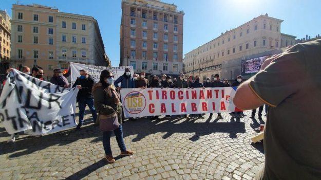 catanzaro, protesta, tirocinanti calabresi, Catanzaro, Cronaca