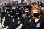 """Mille """"Bauli in piazza"""": la manifestazione dei lavoratori dello spettacolo sul """"palco"""" di Roma"""