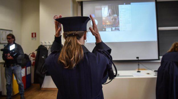 cervelli in fuga, lauree, università, Sicilia, Cronaca