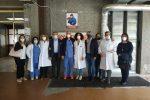 I sanitari e i politici durante la cerimonia nell'ospedale di Cetraro