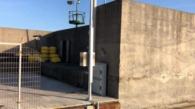 Stazione di allerta maremoti montata sul porto di Cetraro