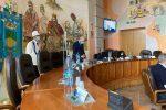 Il presidente Pierluigi Caputo presiede il Consiglio comunale di Cosenza