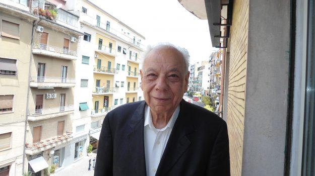Castiglione di Paludi, Petelia, Luigi Palermo, Cosenza, Società
