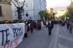 """Sanità Cosenza, si mobilita anche la società civile: """"Siamo qui per dire basta"""""""
