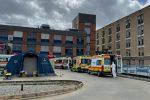 Cosenza, operaio di Lamezia accusa malore in cantiere e muore durante il trasporto all'Annunziata