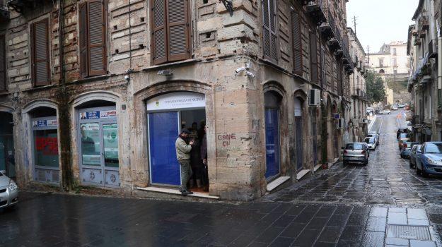 corso telesio, cosenza, vigili urbani, Cosenza, Cronaca