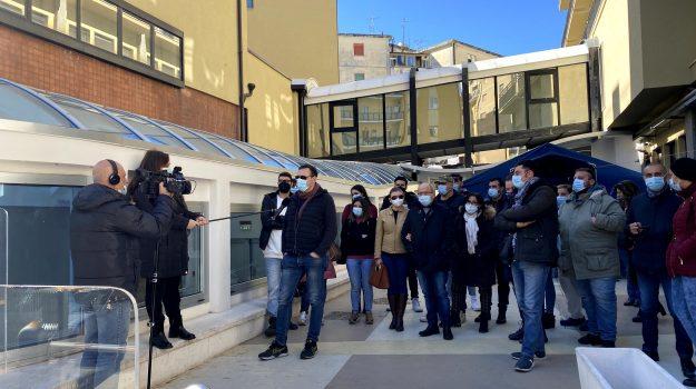 dipendenti, Sant'Anna Hospital Catanzaro, vertenza, Oscar Tegano, Tonino Jiritano, Catanzaro, Cronaca