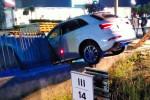 Corigliano, scontro frontale sulla statale 106: auto in un canalone, tre i feriti