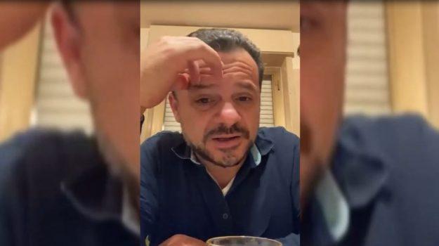 """Il sindaco di Messina De Luca: """"Ho un sogno, cantare a Sanremo"""""""