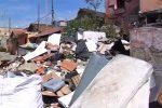 """Messina, crescono le micro discariche. Lombardo: """"Aspettiamo i soldi dalla Regione"""""""