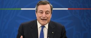 """Nuovo Decreto Draghi: zone gialle e """"pass verde"""". Da giugno ok a pranzo nei ristoranti al chiuso. Cos'è la carta verde"""