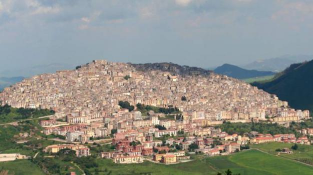 Sicilia, Società
