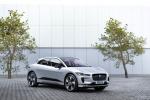 Jaguar, esclusiva versione Black per il suv elettrico I-Pace