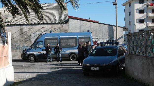 crotone, droga sequestrata, polizia, Catanzaro, Cronaca