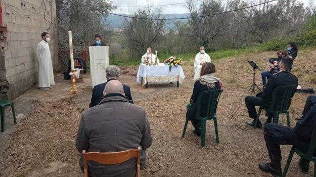limbadi, messa pasqua, terreni confiscati, Calabria, Cronaca