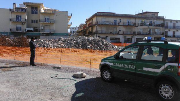 demolizione scuola, imprese denunciate, macerie non rimosse, marina gioiosa ionica, Reggio, Cronaca
