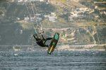 Kitesurf a Messina, due giorni di scirocco richiamano i surfisti a Torre Faro