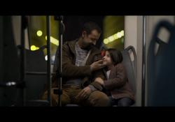 Pacifico, nuovo brano «Gli anni davanti»: il videoclip in anteprima Il cantautore e autore l'ha scritto per la colonna sonora del film «Genitori vs influencer» con Fabio Volo - Corriere Tv