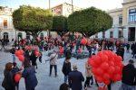 Palloncini rossi contro chiusure, protesta a Reggio Calabria dei commercianti