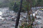 """San Costantino """"bomba ecologica"""": lo scempio sotto il """"Ponte di ferro"""""""