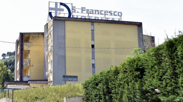 casa riposo settingiano, maltrattamenti, San Francesco hospital, Catanzaro, Cronaca