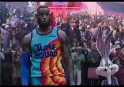«Space Jam New Legends», il trailer del film con LeBron James (che 25 anni dopo sostituisce Jordan) Il sequel del film del 1996, in uscita in Italia a settembre - Corriere Tv
