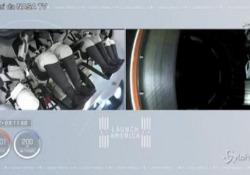 Space X è in orbita, la vista della Terra dallo spazio L'equipaggiodovrebberaggiungere la Stazione Spaziale Internazionale sabato dopo un viaggio di 23 ore - LaPresse/AP