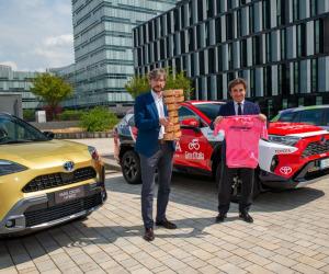 Toyota consegna a RCS le auto ufficiali del Giro d'Italia 2021
