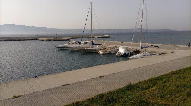 molotov, porto, villa san giovanni, Reggio, Cronaca