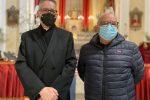Mons. Filippo Ramondino, Rettore della Chiesa del Rosario di Vibo, insieme al Priore dell'Arciconfraternita del Rosario, Pino Mirabello