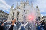 L'Inter vince lo scudetto, la festa in piazza Duomo a Milano - VIDEO