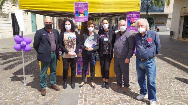 Lamezia Terme, monumenti e piazze in viola per la giornata della fibromialgia