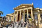 Palermo: lenzuolo contro la mafia, in ricordo di Falcone e Borsellino
