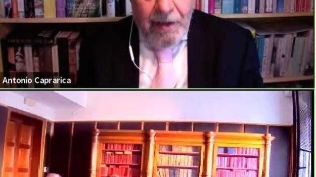 crotone, libro, regina elisabetta, Antonio Caprarica, Catanzaro, Cultura