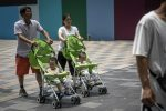 Calo della natalità, la Cina autorizzerà le famiglie ad avere fino a tre figli